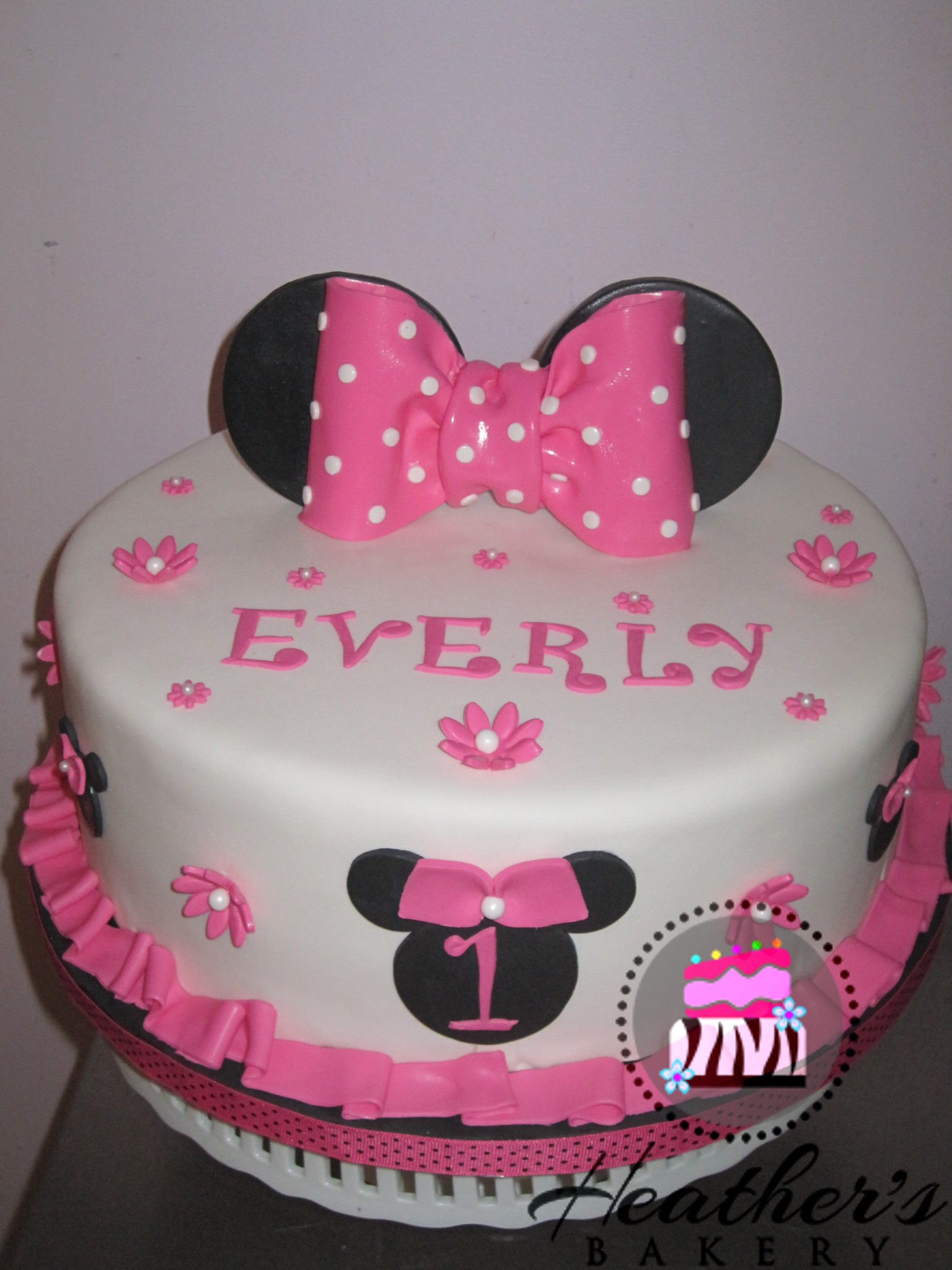 Pink Mouse Bow Cake